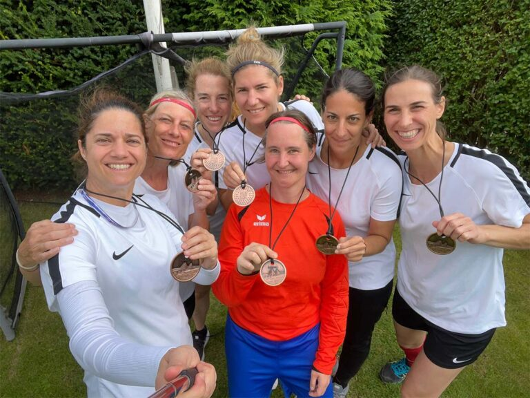 The Juventinas win bronze in the football tournament